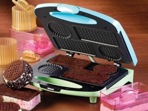 Nostalgia Electrics ICS-100 Electric Ice Cream Sandwich Maker