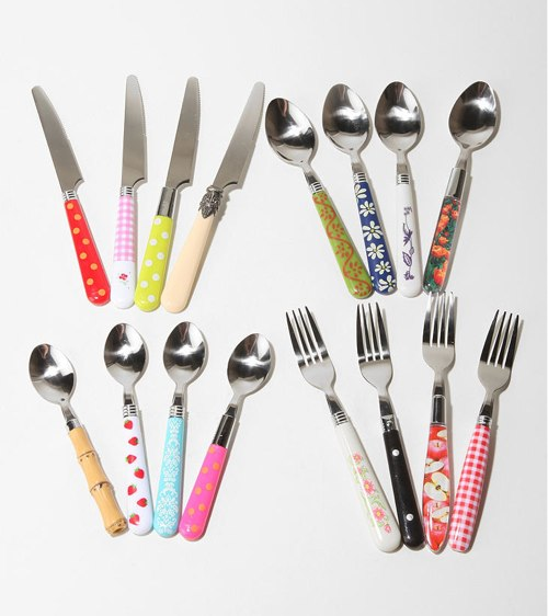 A set of 16 funky cutlery to add a touch of retro chic to your kitchen. $39 Buy it here & Mix u0026 Match Cutlery | HolyCool.net