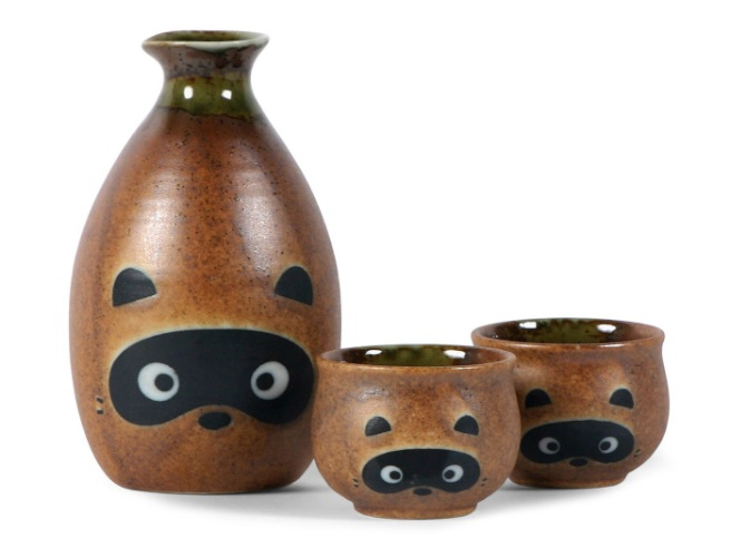 Raccoon Sake Set