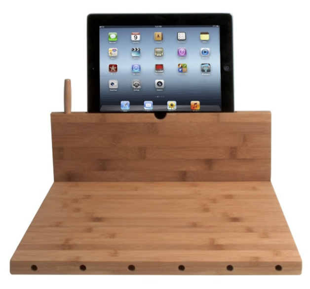 CTA DIGITAL Bamboo Cutting Board_