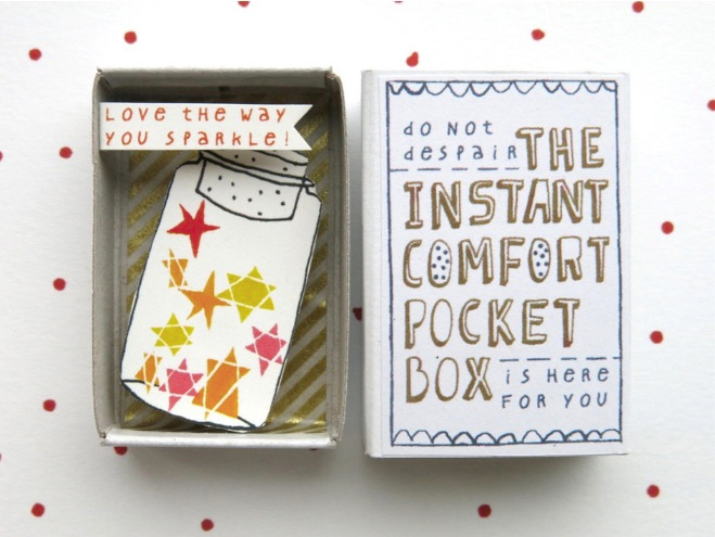 The Instant Comfort Pocket Box - Sparkling stars