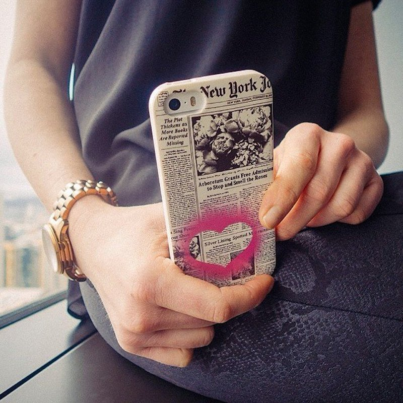 Case-with-Sheet-of-Newspaper-for-iPhone-55s-by-Kate-Spade