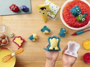 Chef'n Cake Creature and Pastry Pen, 3-D Cake Shape Baking Set