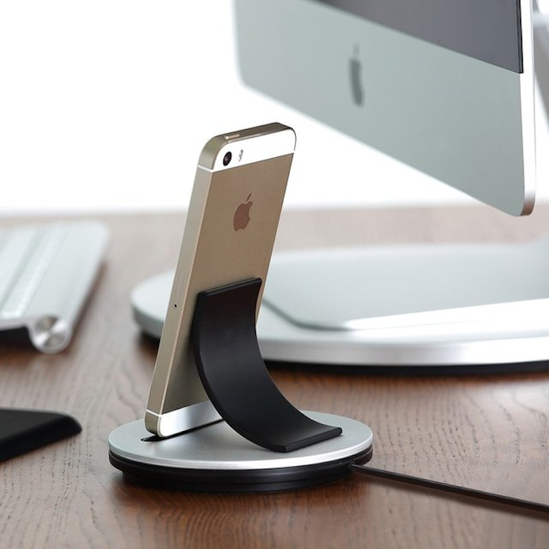 Just-Mobile-AluBolt-for-iPhone-and-iPad-mini