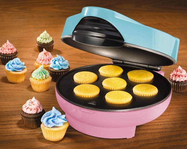 Mini Cupcake Maker Kit by Nostalgia Electrics