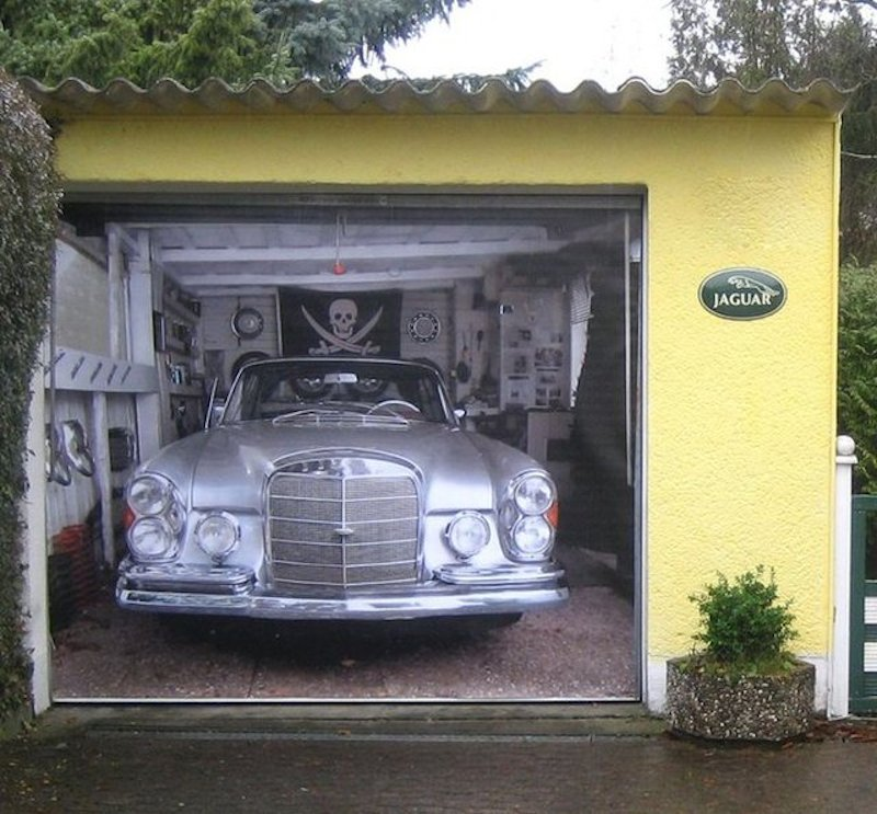 Mercedes-Garage-Door-Mural