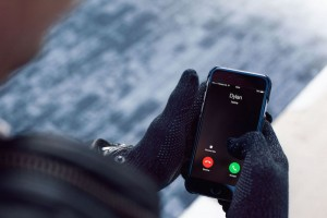 Refined-Touchscreen-Gloves-01