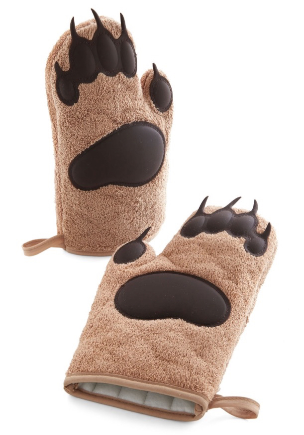 Cub on By Bear Claw Oven Mitts