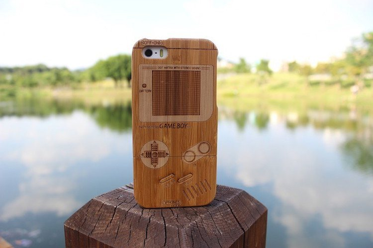 Bamboo-Gameboy-iPhone-66-Case-01