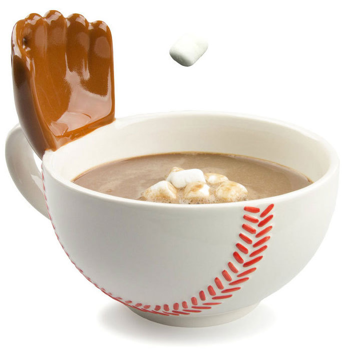 BASEBALL MUG WITH A GLOVE