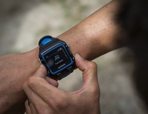 Garmin-Forerunner-920XT-GPS-Fitness-Watch-01
