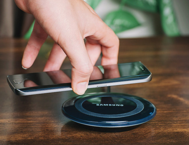 Samsung-Wireless-Charging-Pad
