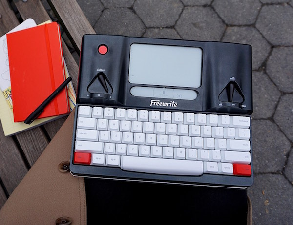 Freewrite-----The-World---s-First-Smart-Typewriter