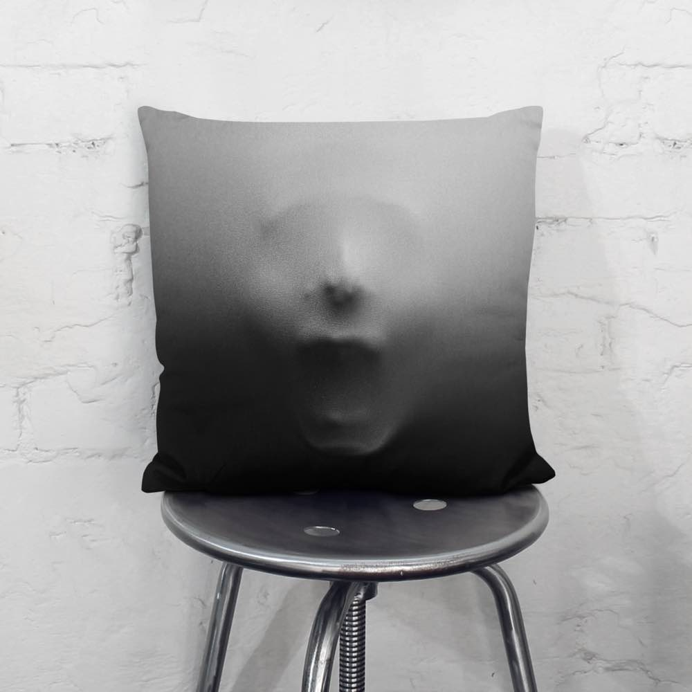 screaming-face-throw-pillow