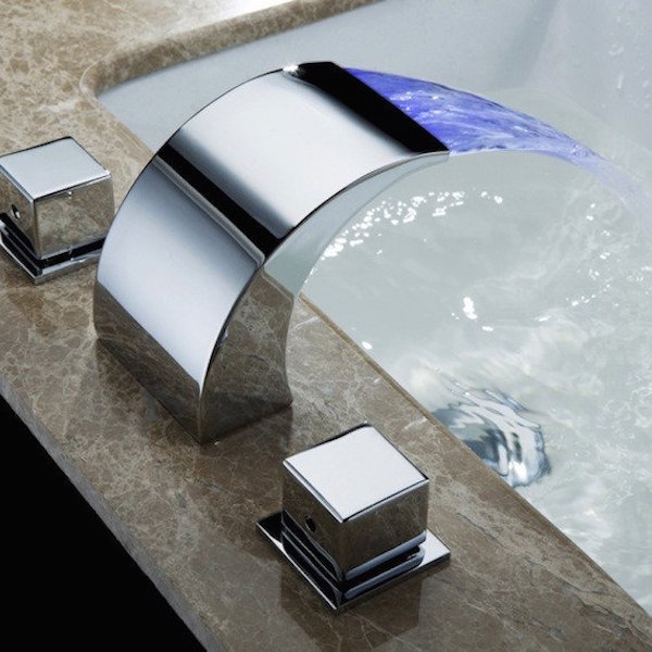 temperature_controllable_led_faucet