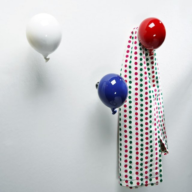 Mini Balloon Coat Hanger